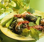 Shrimps with herbs and mangetout