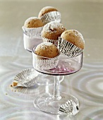 Mini-muffins with icing sugar