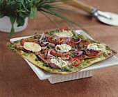 Goat's cheese and smoked salmon pizza