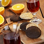 Lebkuchen, punch, orange halves and spices