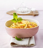 Spaghetti with orange and basil sauce