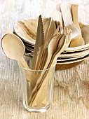 Wooden plates and cutlery