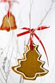 Ingwerplätzchen als Weihnachtsdekoration