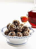 Rum balls with coconut