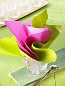 Falttechnik von Servietten 'Blumenstrauss'