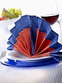 Napkin folding design: 'Flamenco'