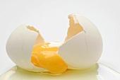 Ein aufgeschlagenes Ei