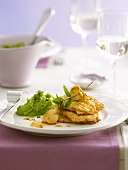 Piccata all'aglio (Veal escalopes with caramel garlic)