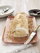 Meringue roulade with acacia cream (Australia)