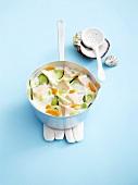 Fischsuppe mit buntem Gemüse