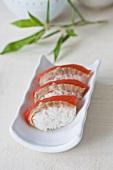 Nigiri-Sushi mit Lachs (Sake), Japan