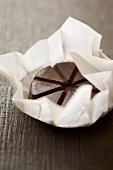 Mexikanische Schokoladenstücke im Einwickelpapier