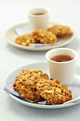 Oat cakes with apples for tea
