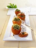 Gebackene Tomaten mit Kräuterfüllung