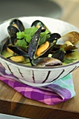 Mussels in white wine with herbs
