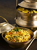 Fried rice with vegetables and cashew nuts (India)