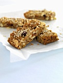 Wholemeal nut muesli bars