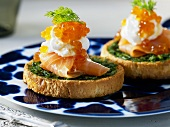 Smoked salmon with wasabi cream & dill on toasted brioches
