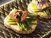 Green asparagus & fried goose liver on toasted sesame bread