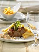 Steak Stroganoff with chips