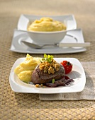 Beef fillet with chestnut crust, onion confit, mashed potato