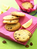 Lemon and raisin cookies