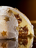 Dome cake with gold stars for Christmas
