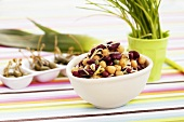 Bean and chick-pea salad with leeks and capers
