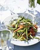 Summery vegetable salad with sesame and honey dressing