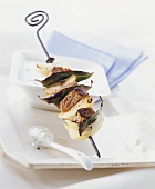 Meat and onion kebab with cucumber yoghurt