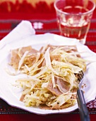 Wholemeal pasta with cabbage