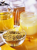 Honey and honey pollen