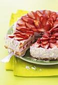 Strawberry gateau with white chocolate