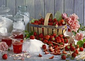 Strawberry jelly with rose petals, ingredients