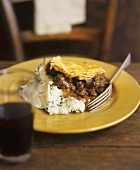 Beef pie with mashed potato