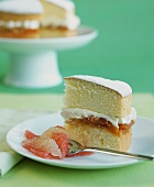 Sponge cake with pineapple and grapefruit filling