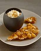 Almond caramel with vanilla cream