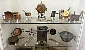Antike Küchengeräte im Museum (Siorac, Perigord, Frankreich)