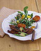 Calf's liver with apricots & salad with blue cheese dressing