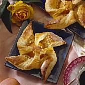 Blätterteig-Windräder mit Aprikosen