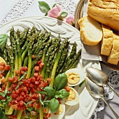 Green asparagus with boiled eggs and tomato vinaigrette
