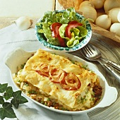 Mince lasagne with onions