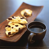 Chocolate crunch (White chocolate with nuts and raisins)