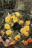 A Christmas wreath with roses