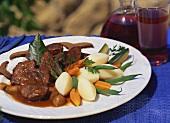 Stierfleisch-Schmortopf mit Gemüsebeilage