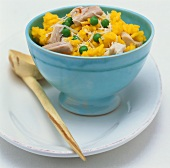 Saffron rice with chicken and peas