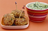Grated vegetable burgers, mashed potato with broccoli