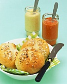 Small bread rolls with pepper- and apricot & tofu spread