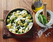 Gnocchetti sardi with pesto vegetables (Italy)