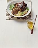 Stinco di porchetta glassato (Glazed knuckle of suckling pig)